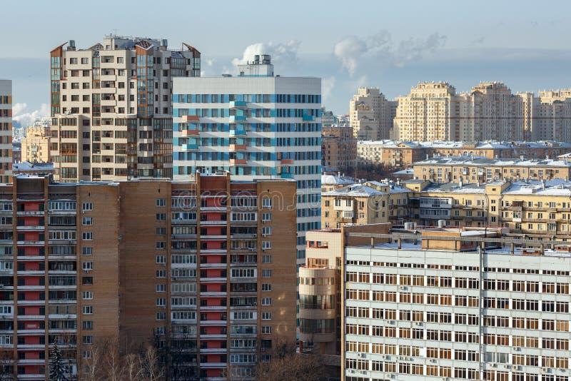 Luchtmening van de nieuwe en oude woonhuizen Moskou, Rusland royalty-vrije stock foto's