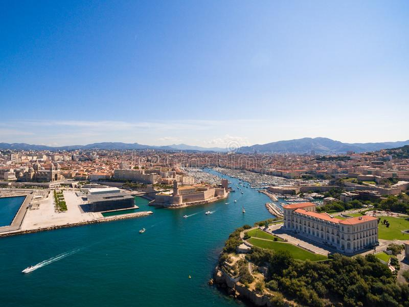 Luchtmening van de pijler van Marseille - Vieux-Haven, het kasteel van Heilige Jean, a royalty-vrije stock afbeeldingen