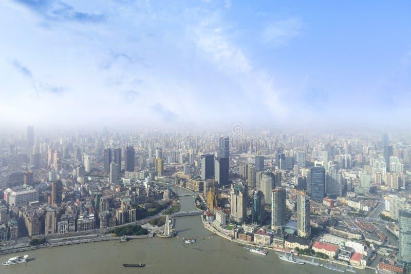 luchtmening van de stadshorizon van Shanghai en moderne wolkenkrabber en H stock afbeelding