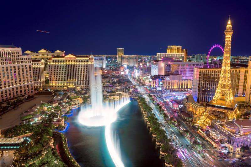 Luchtmening van de Strook van Las Vegas bij nacht stock afbeelding