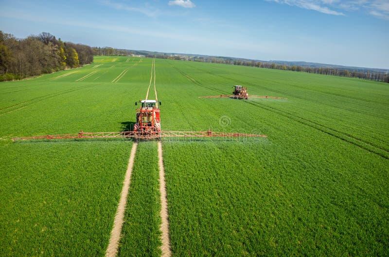 Luchtmening van de tractor royalty-vrije stock afbeeldingen