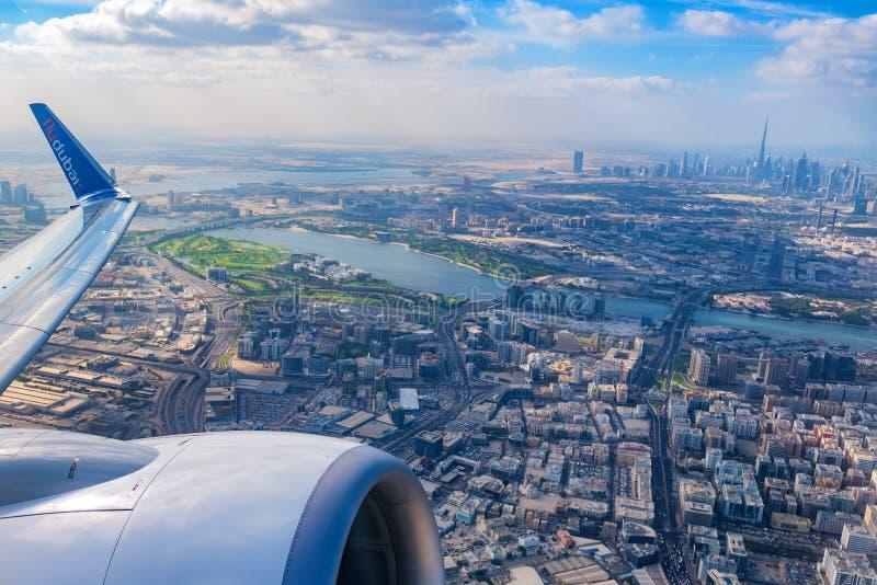 Luchtmening van Doubai van vliegtuig stock foto