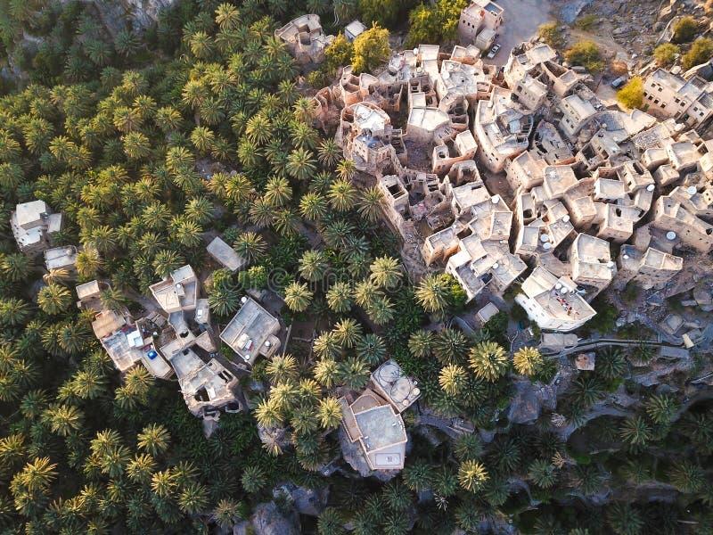 Luchtmening van een oud Omani dorp stock afbeeldingen