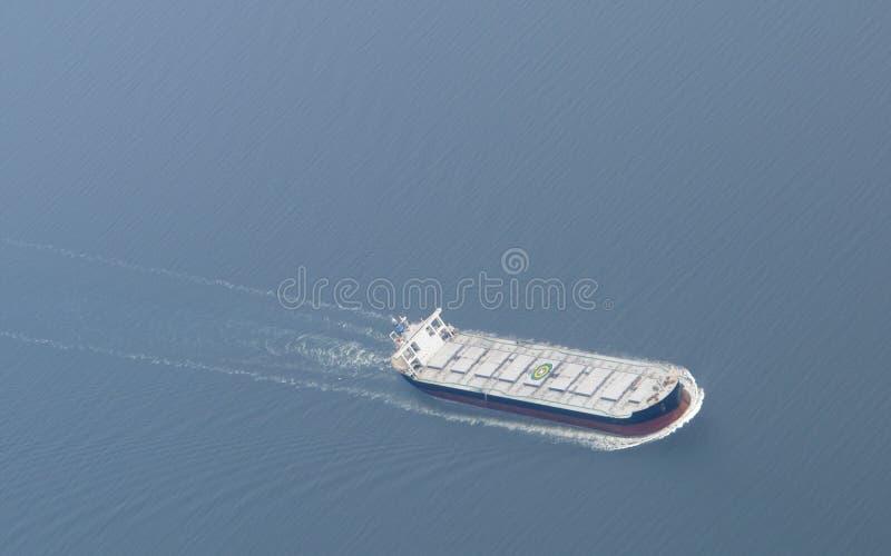 Luchtmening van een vrachtschipschip. stock afbeeldingen
