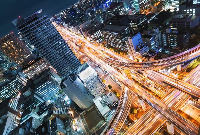 Luchtmening van een wegkruising in Osaka, Japan stock afbeelding