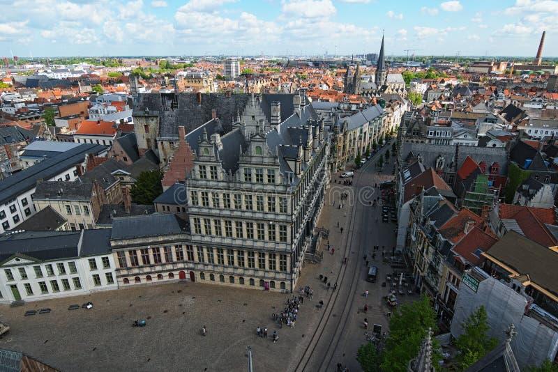 Luchtmening van Gent van Klokketoren Stad Hall Stadhuis Gent en historische gebouwen van Gent stock afbeelding