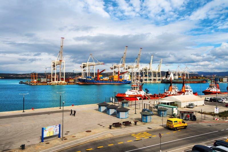 Luchtmening van haven van Koper, Slovenië royalty-vrije stock fotografie