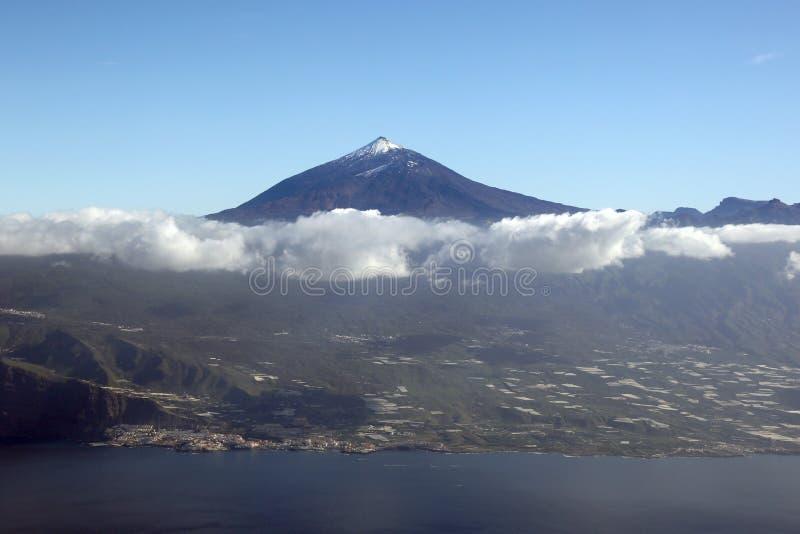 Luchtmening van het eilandCanarische Eilanden Spanje van Tenerife met Teide v royalty-vrije stock afbeeldingen