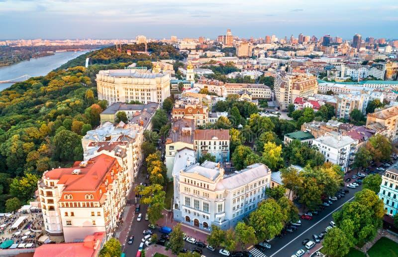 Luchtmening van het historische centrum van Kiev, de Oekraïne stock foto