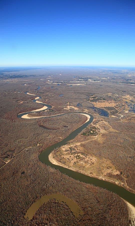 Luchtmening van het kronkelen rivier met oxbow lakein Texas royalty-vrije stock foto's