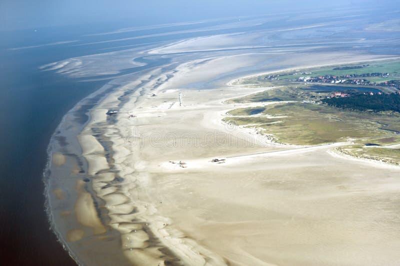 Luchtmening van het Overzeese van Sleeswijk-Holstein Wadden Nationale Park royalty-vrije stock foto's