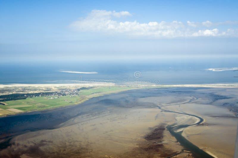 Luchtmening van het Overzeese van Sleeswijk-Holstein Wadden Nationale Park royalty-vrije stock afbeeldingen