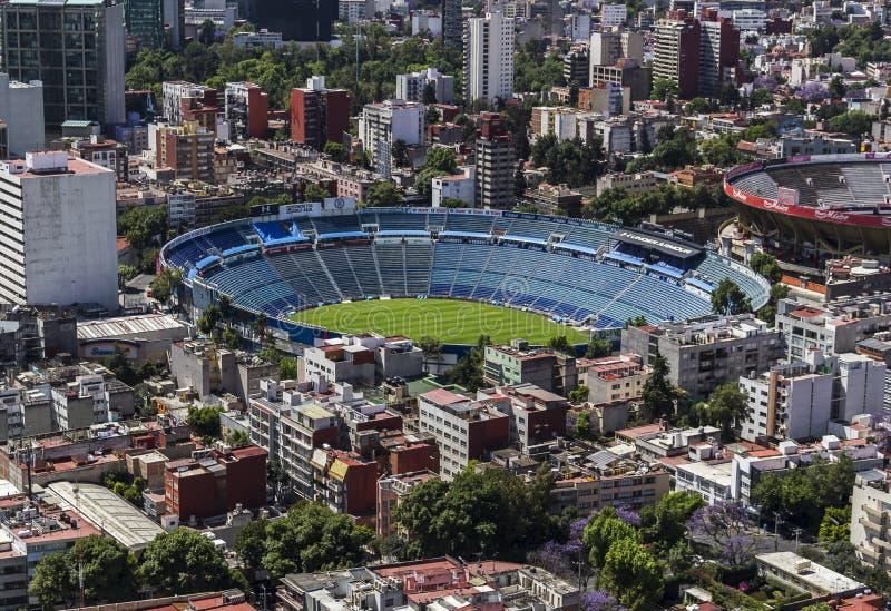 Luchtmening van het stadion van de voetbalvoetbal in Mexico-City stock foto