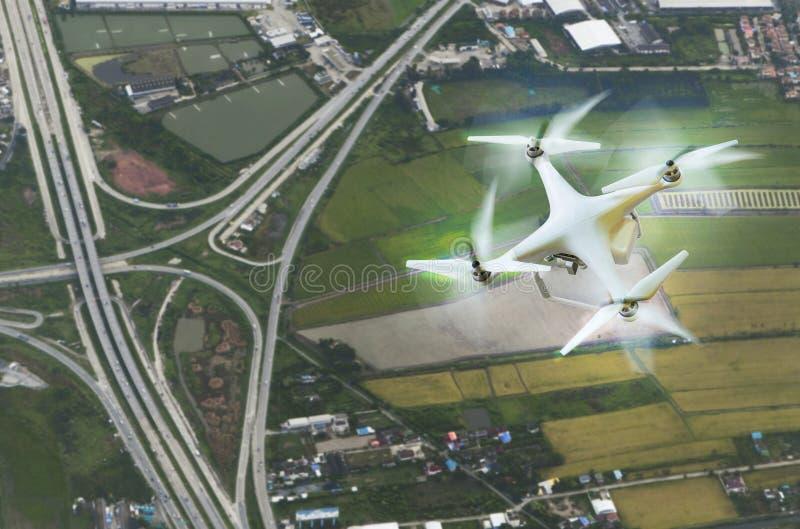 Luchtmening van hommelfotografie over landvervoer backgr royalty-vrije stock fotografie