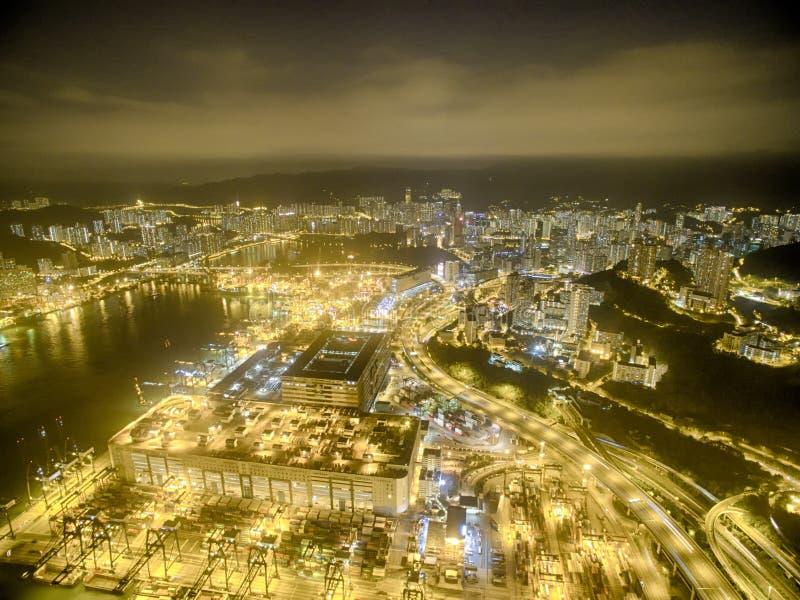 Luchtmening van Hong Kong Night Scene, Kwai Chung in gouden kleur royalty-vrije stock fotografie