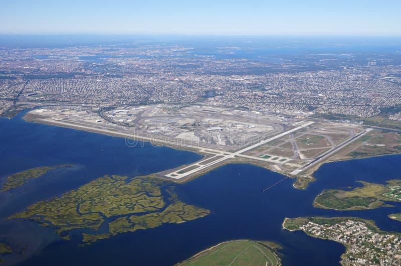 Luchtmening van John F Kennedy International Airport & x28; JFK& x29; in New York royalty-vrije stock fotografie