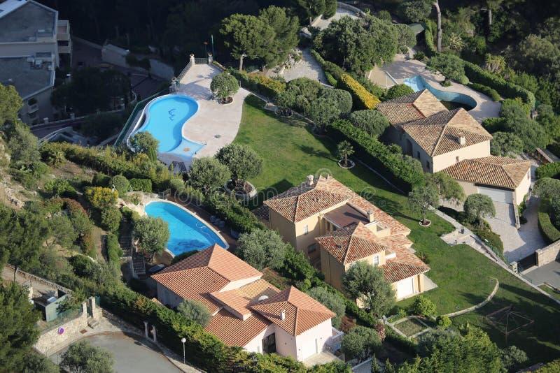 Luchtmening van Luxueuze Huizen en Pools stock foto's