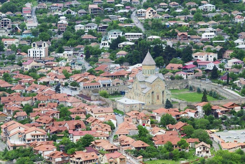 Luchtmening van Mtskheta-stad, vroegere hoofdstad van Georgië stock afbeeldingen