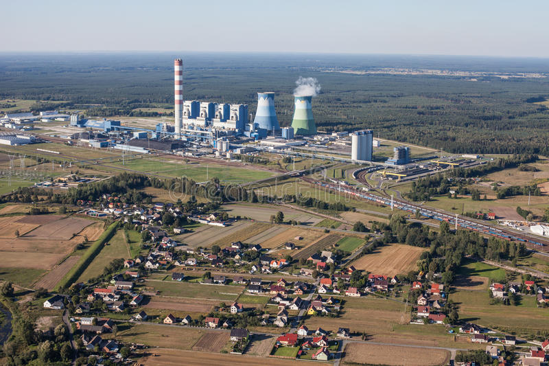 Luchtmening van Opole-stadselektrische centrale royalty-vrije stock foto's