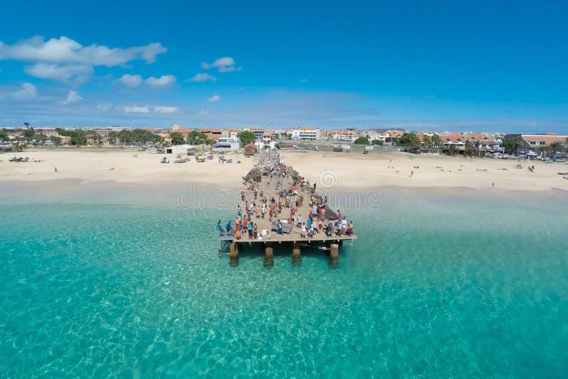 Luchtmening van Santa Maria-strand in Zout Kaapverdië - Cabo Verde stock afbeelding