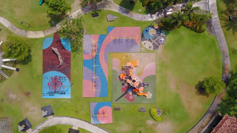 Luchtmening van speelplaatsen in tuin royalty-vrije stock foto's