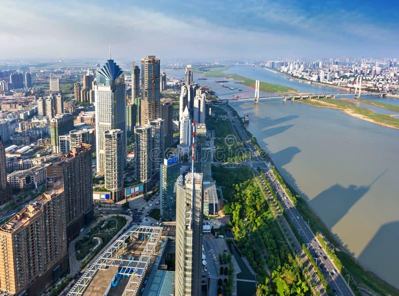 Luchtmening van stadsnacht in Shanghai royalty-vrije stock foto's