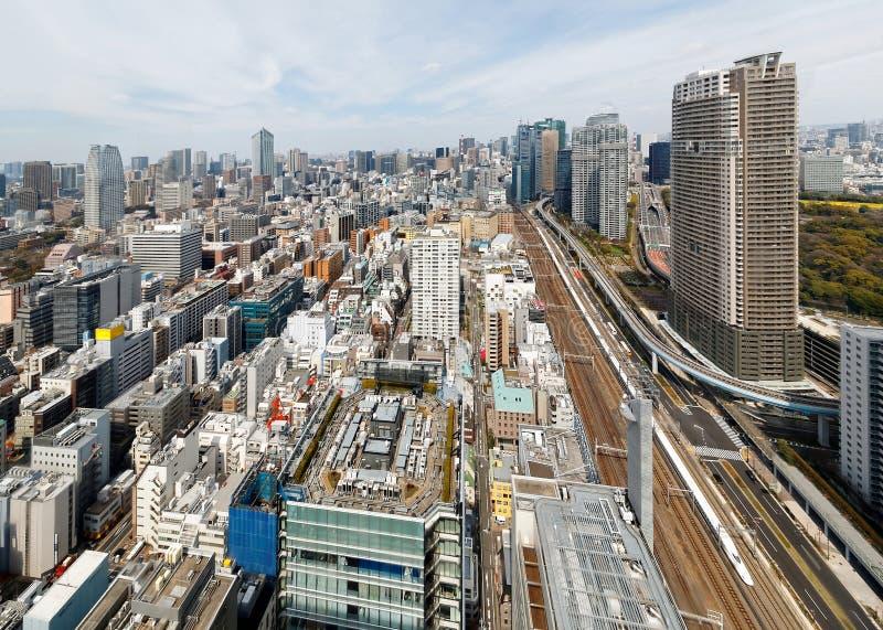 Luchtmening van Tokyo de stad in met een mooie stadshorizon van hoge stijgingswolkenkrabbers royalty-vrije stock afbeelding