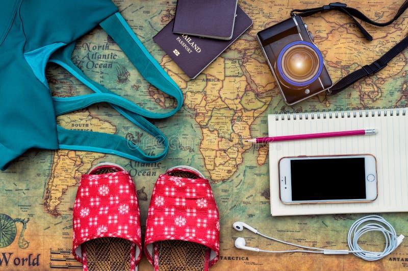 Luchtmening van Traveler& x27; s toebehoren, Essentieel vakantiepunt royalty-vrije stock foto's