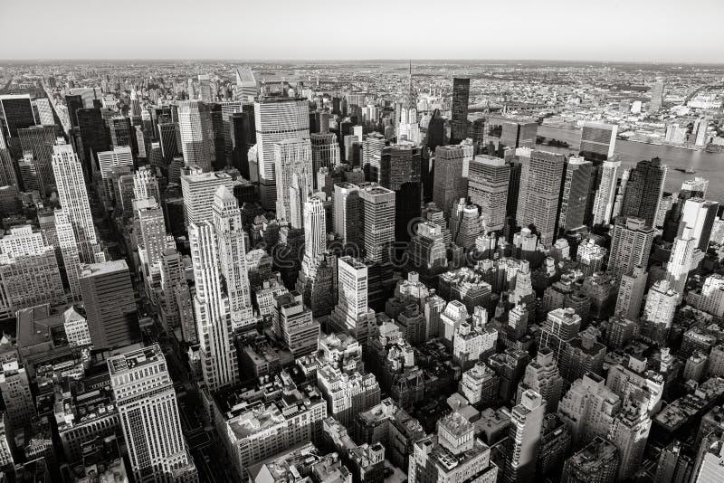 Luchtmening van Uit het stadscentrum wolkenkrabbers in Zwart & Wit, de Stad van Manhattan, New York royalty-vrije stock foto's