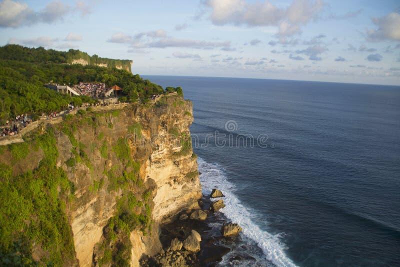 Luchtmening van Uluwatu-tempelklip, Indonesië stock foto's