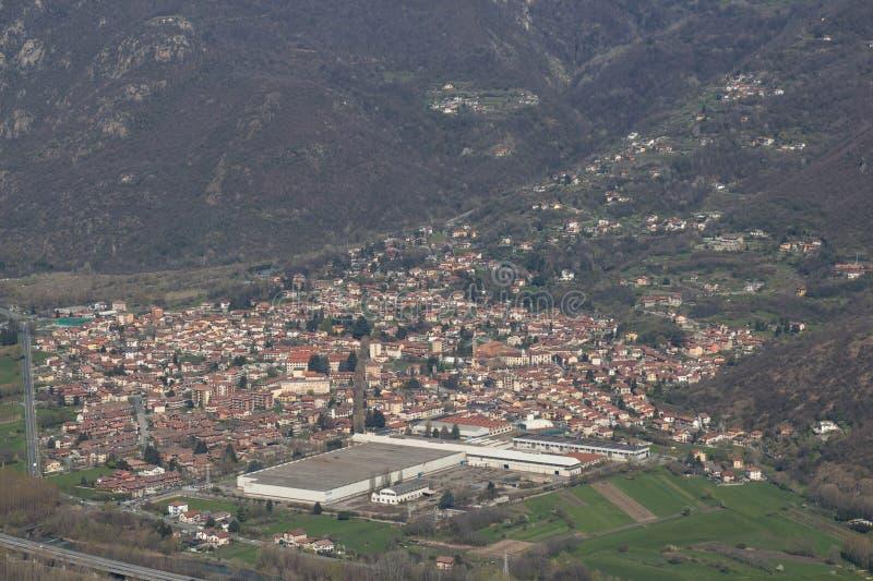 Luchtmening van Val di Susa-dorp piemonte Italië royalty-vrije stock afbeeldingen
