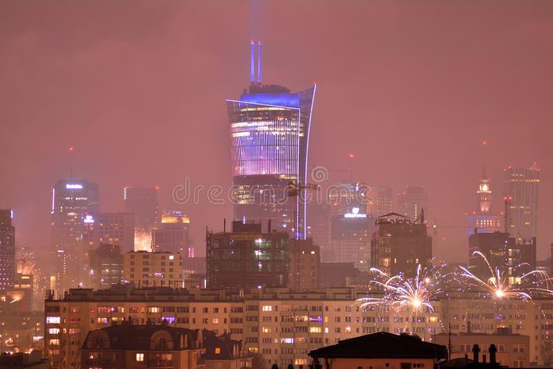 Luchtmening van Warshau Warshau van de binnenstad bij nacht Nieuwjaar ` s Eve Fireworks royalty-vrije stock afbeelding