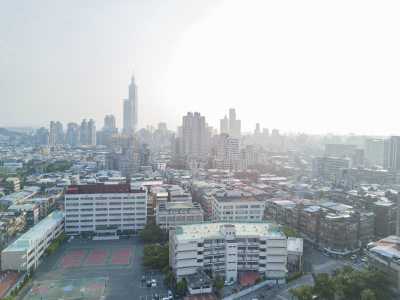 Luchtmening van Xinyi-District en Taipeh 101 royalty-vrije stock afbeeldingen