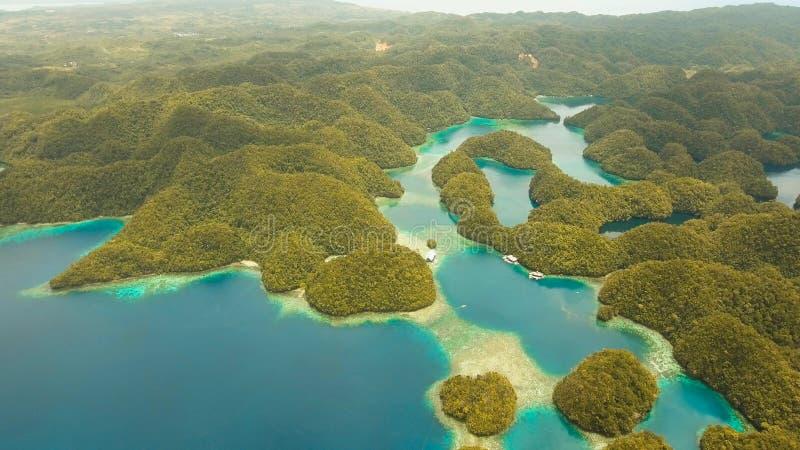Luchtmenings tropische lagune, overzees, strand Het Eiland van Bucasgrande, Sohoton-Inham filippijnen royalty-vrije stock foto
