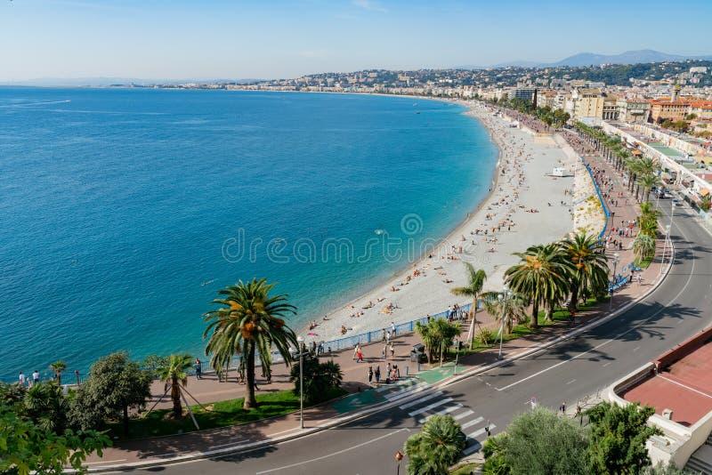 Luchtochtendmening van de beroemde Engelen\ 's Baai met cityscape van de binnenstad van Kasteelheuvel, Nice stock afbeeldingen