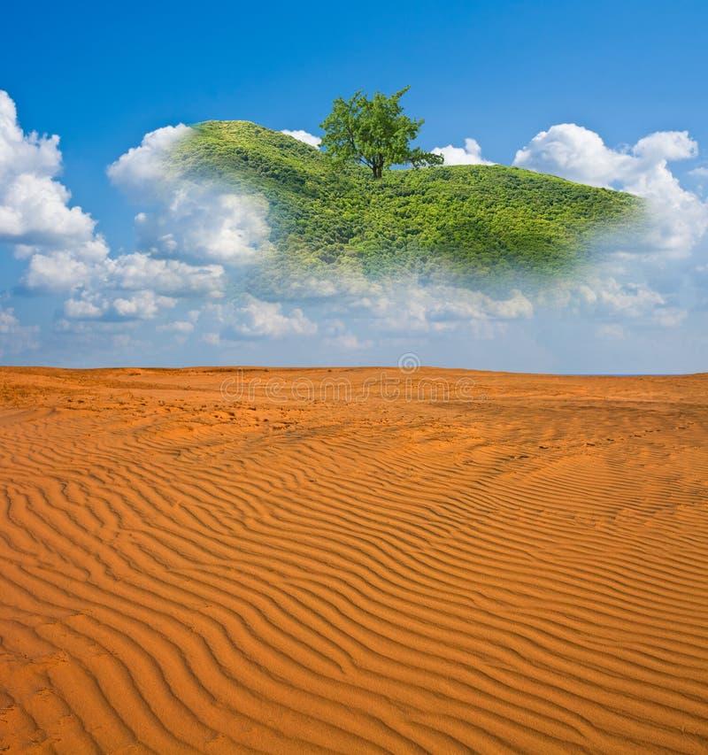 Luchtspiegeling in een zandwoestijn stock fotografie