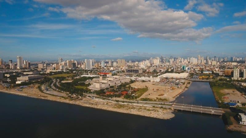 Luchtstad met wolkenkrabbers en gebouwen Filippijnen, Manilla, Makati royalty-vrije stock afbeeldingen