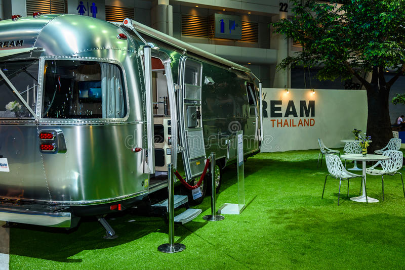 Luchtstroom Klassieke auto op vertoning bij de Internationale de Motorshow van 37ste Bangkok stock foto's
