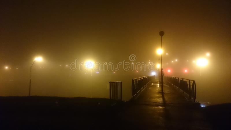 Luci della foschia del ponte fotografia stock libera da diritti