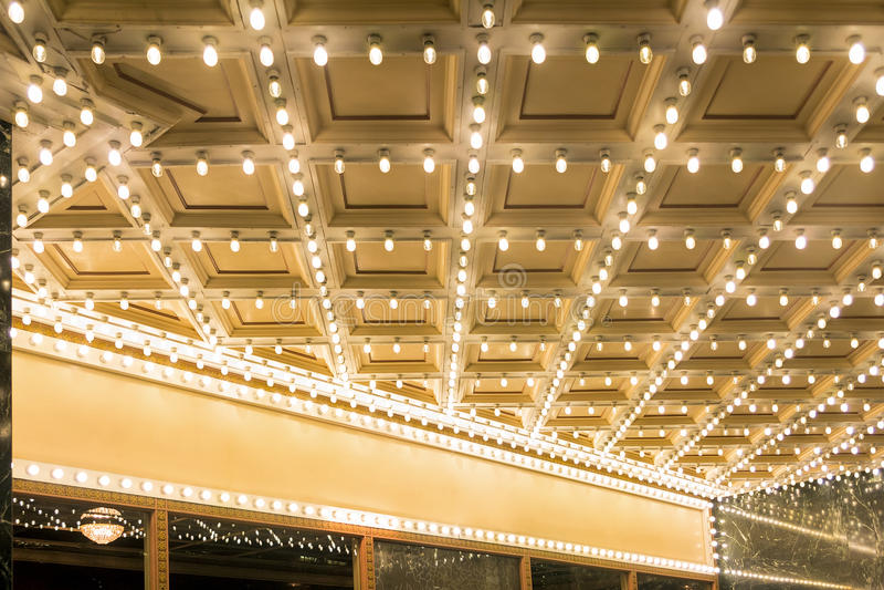 Luci della tenda foranea del teatro di Broadway immagine stock libera da diritti