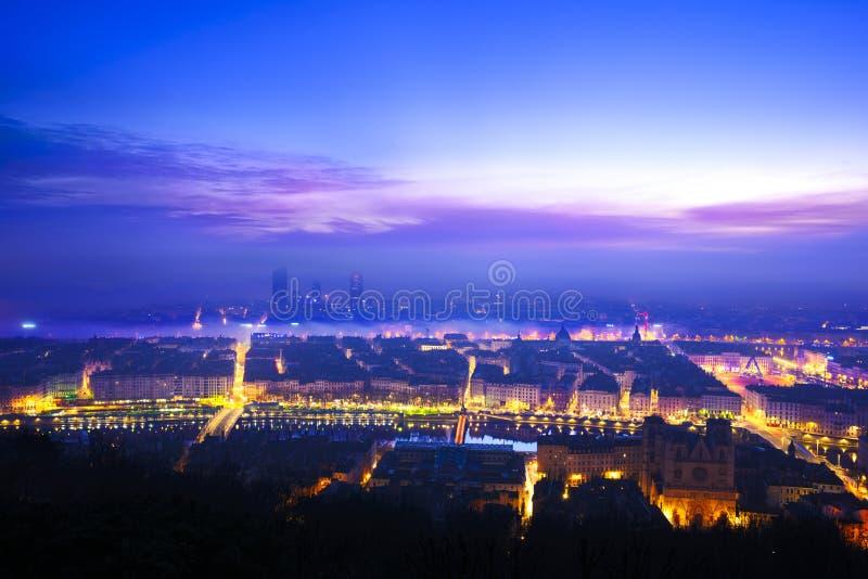 Luci di mattina sopra la città di Lione, Francia fotografia stock libera da diritti