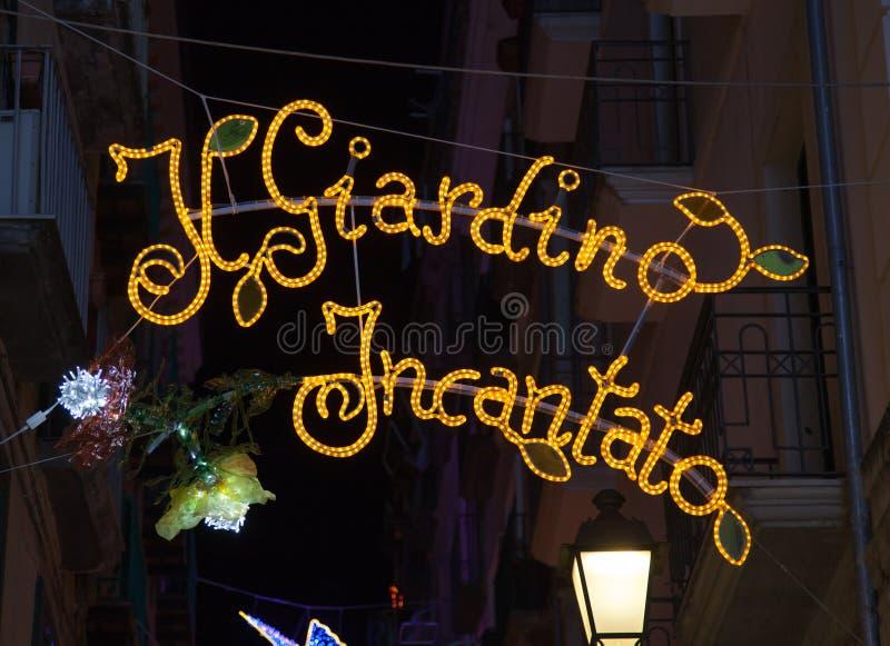 Luci di Natale nel centro di Salerno fotografia stock libera da diritti