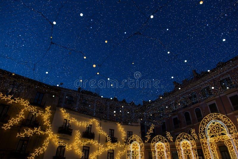 Luci di Natale nel centro storico di Salerno immagine stock libera da diritti