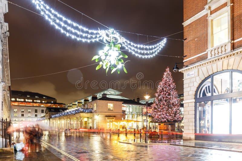 Luci di Natale 2016 nel giardino di Covent, Londra fotografia stock libera da diritti