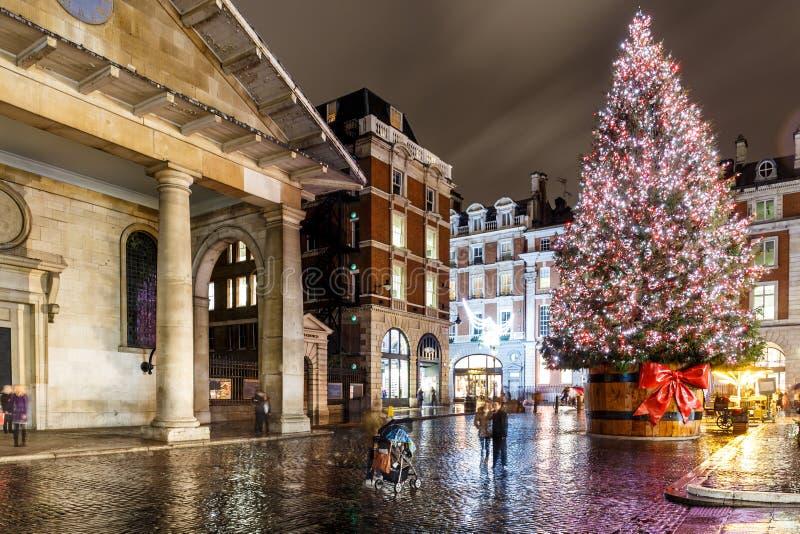 Luci di Natale 2016 nel giardino di Covent, Londra immagine stock