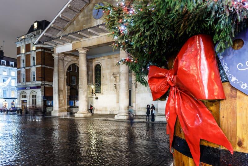Luci di Natale 2016 nel giardino di Covent, Londra fotografie stock