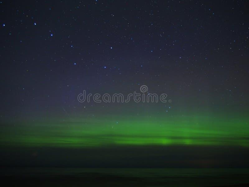 Luci polari e stelle di aurora borealis immagini stock libere da diritti