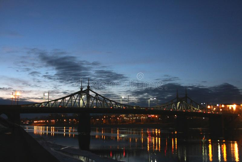 Luci sul fiume fotografie stock