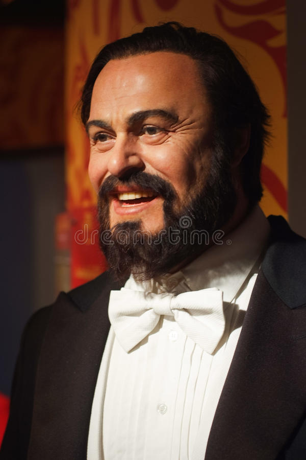Luciano Pavarotti waxwork på utställningen för madam Tussauds royaltyfri bild