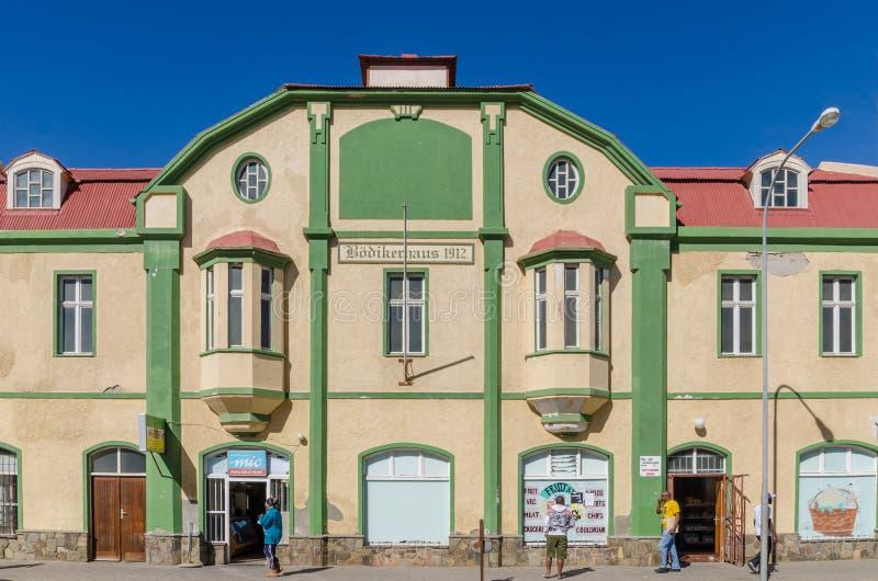 Luderitz, Namíbia - 8 de julho de 2014: Roedikerhaus de construção colonial histórico de épocas coloniais alemãs imagens de stock royalty free